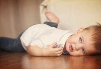 Ребенок в 1-3 года закатывает истерику