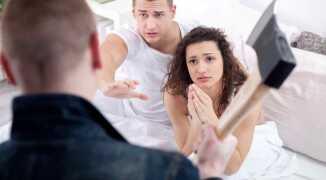 Что делать, если вы застали жену с любовником?