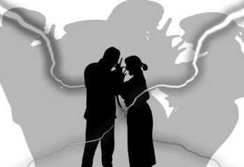 Какие бывают кризисы семейной жизни и как их пережить?