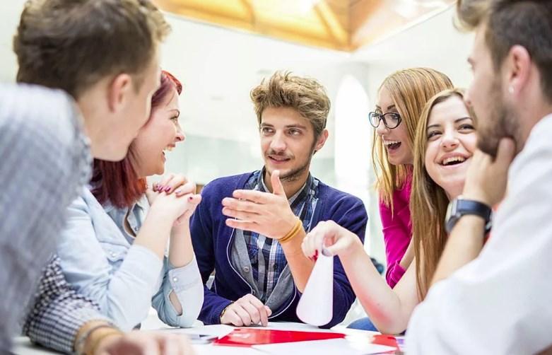 Общение молодежи