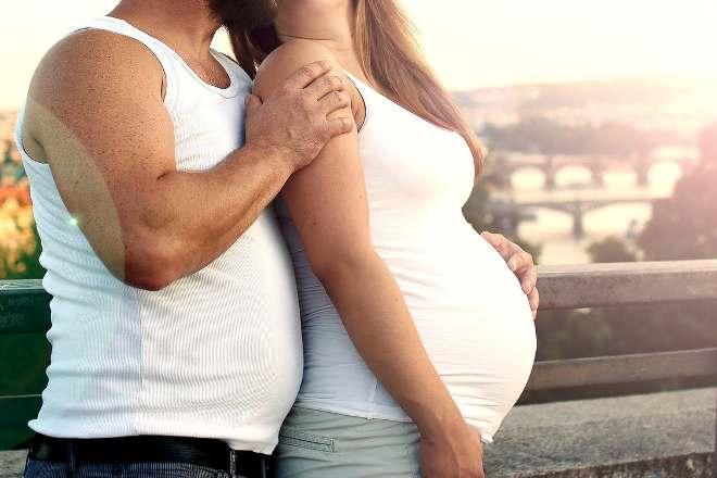 К чему во сне обниматься с беременной 70