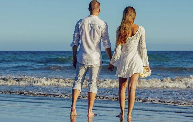 Влюбленные на море